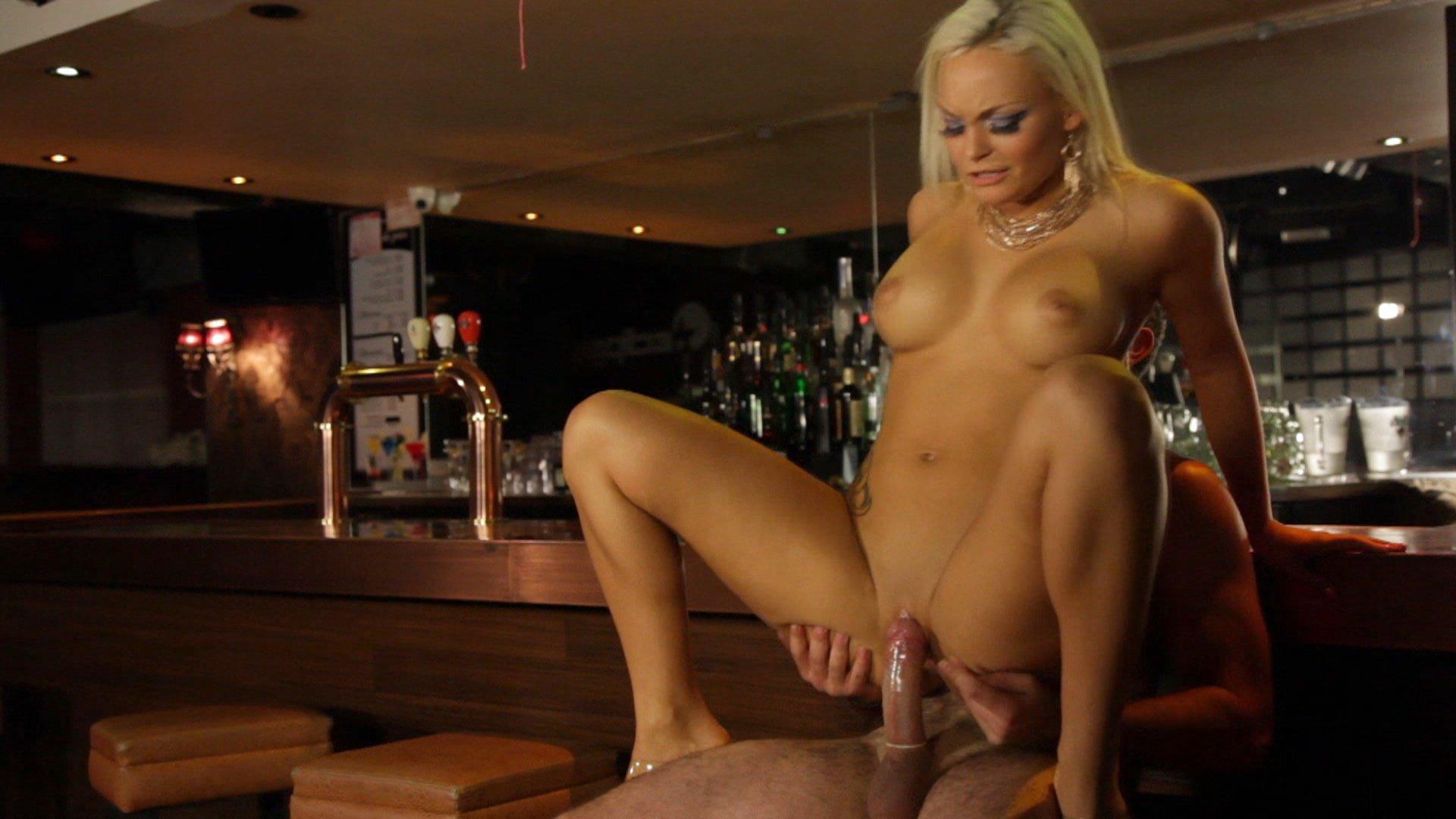 porno-striptiz-filmi-onlayn