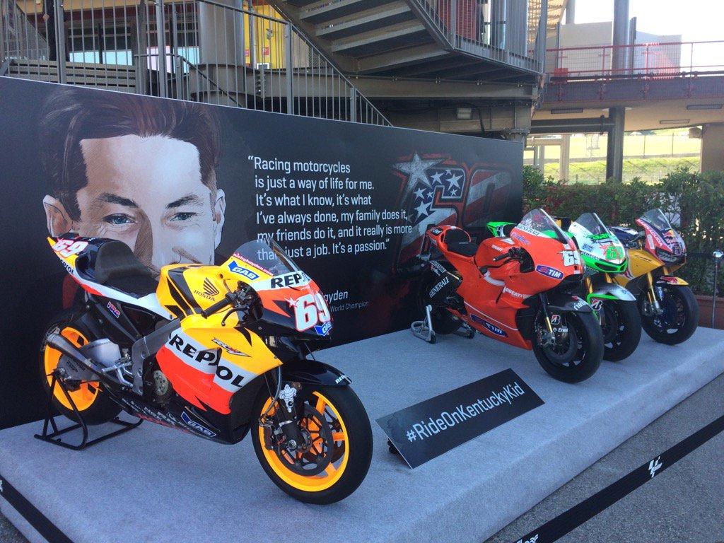 Nicky's bikes lined up in the Mugello paddock. https://t.co/U0U0NQmYh7