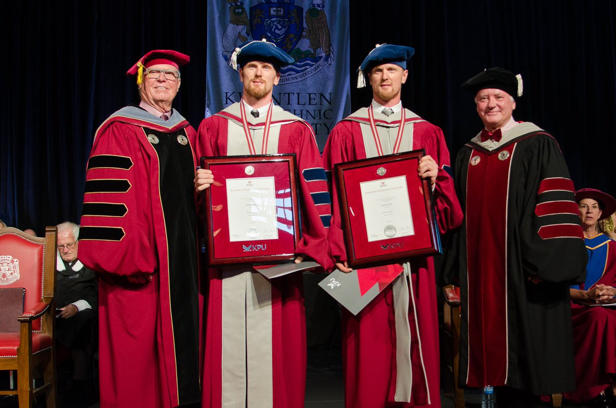 Looking good, @Canucks! Congratulations to Henrik and Daniel on their honourary degrees. #kpuconvocation2017 https://t.co/Itqz7d3hFN