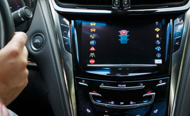 New cars can #wirelessly communicate but #Cadillac is taking it further by connecting cars to the road #Futuretech   http:// bit.ly/2rIMTcM  &nbsp;   <br>http://pic.twitter.com/TrO4RZlEzm