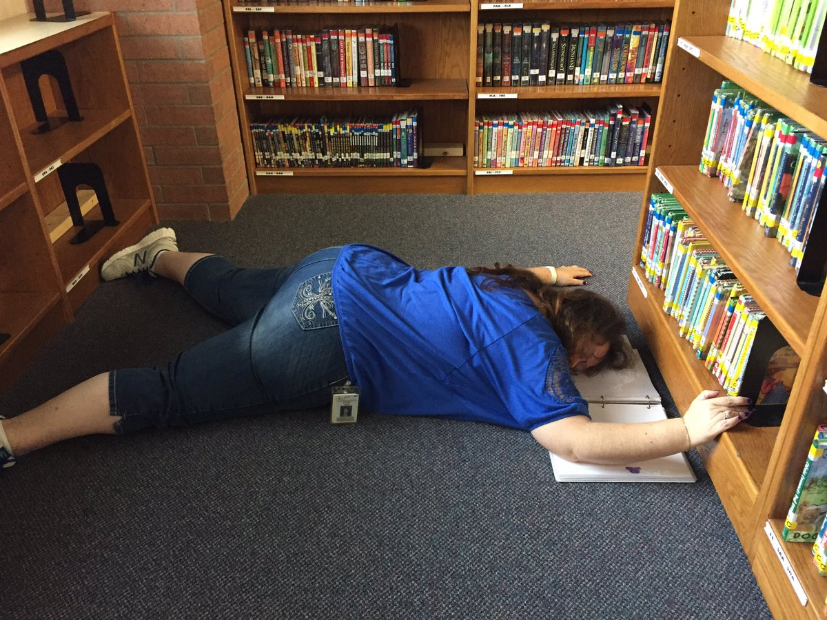 Trying get the library ready for summer.  One more day! @Dorsey_Wildcats #ineedavacation