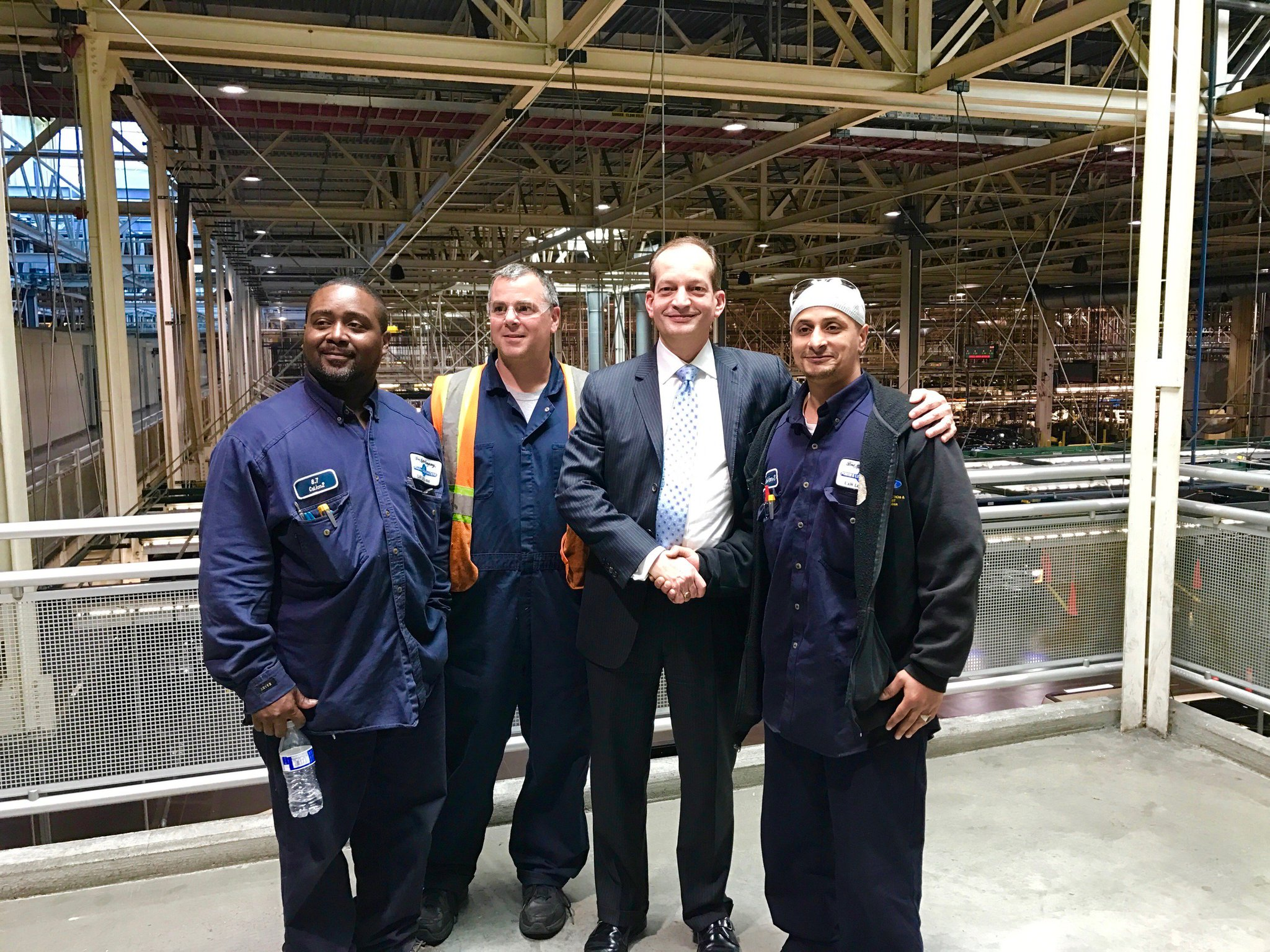 Had the opportunity to meet three great Michiganders & @Ford #electrical apprentices Waleed Mohamed, Marlo Hudgins, & Geoffrey Dherin. https://t.co/e6t2PnXu0S