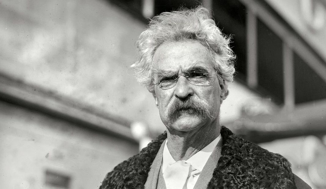 "Substitute ""damn"" every time you're inclined to write ""very""; your editor will delete it and the writing will be just as it should be. TWAIN https://t.co/0VQ3m5Ek7J"