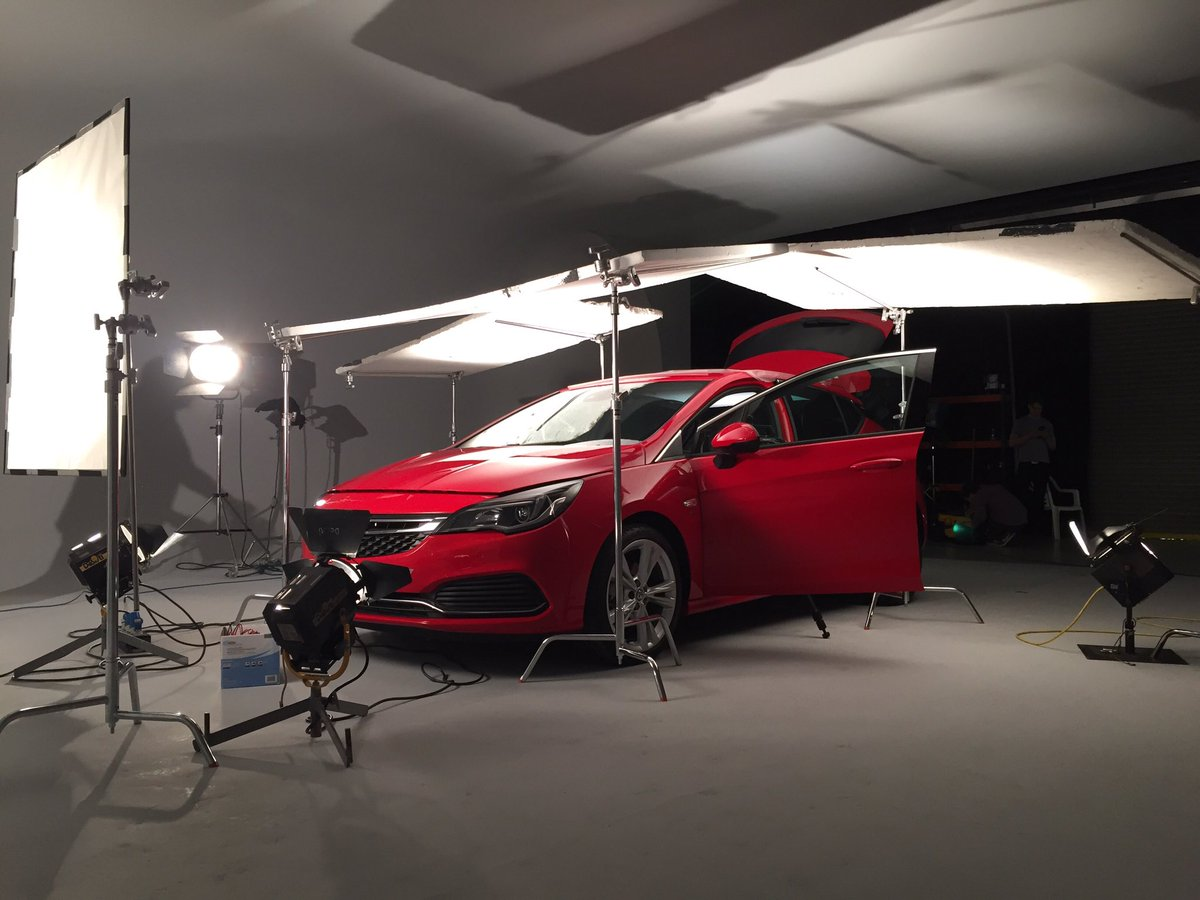Filming in the studio for @vauxhall. Quiet please! https://t.co/0APaVUcR5s