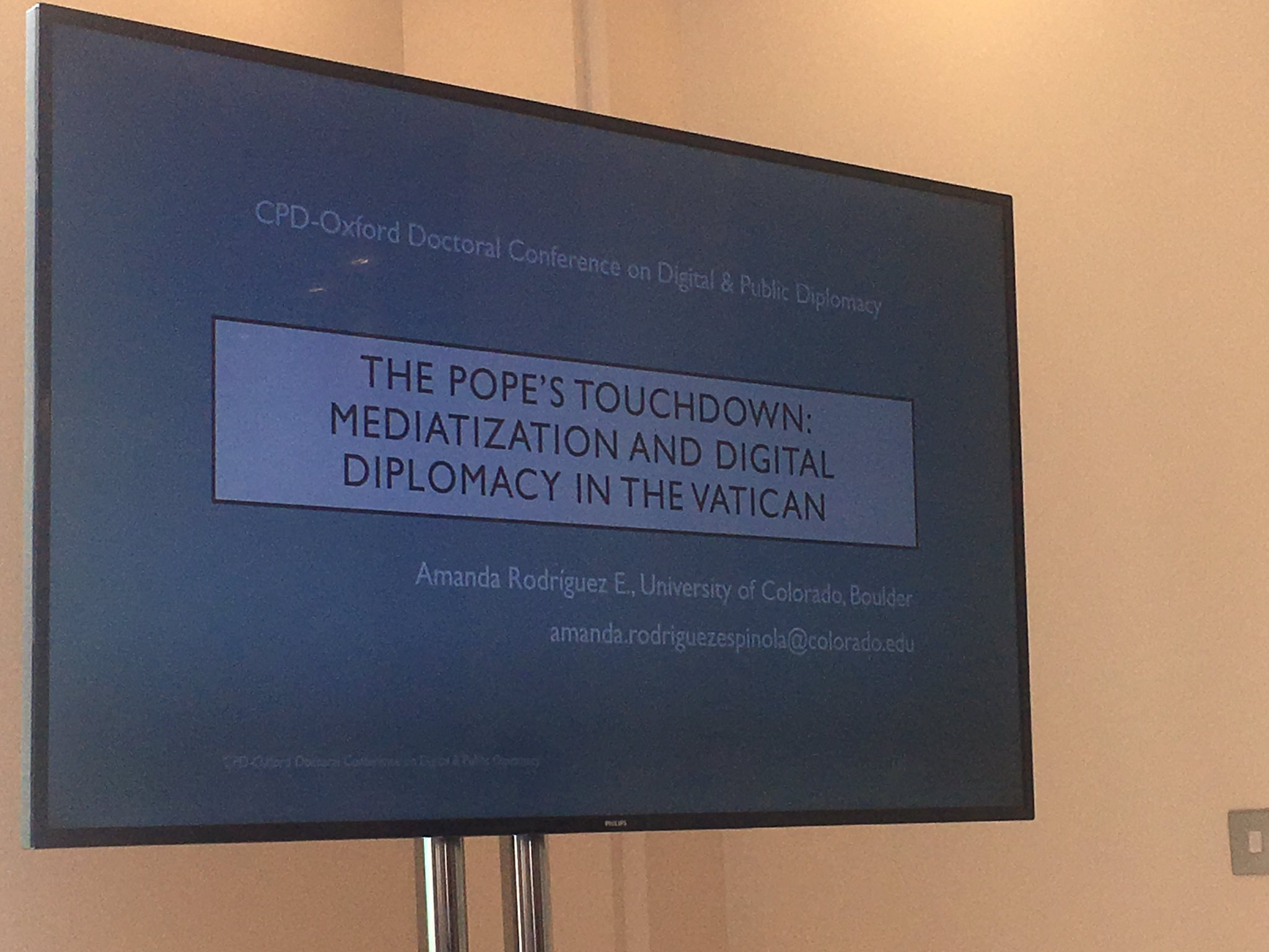 @Pontifex is making an impact with his faith based #DigitalDiplomacy. Great discussion here at #oxfordCPD17 https://t.co/BH545VwvXT
