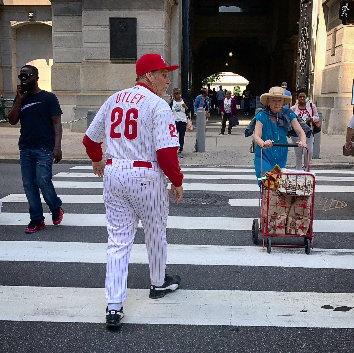 I just saw the ghost of baseball past near city hall: https://t.co/vtzSgaksqR