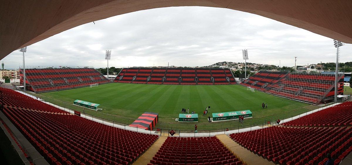 Enquanto isso, o presidente Eduardo Bandeira de Mello e o Prefeito Marcelo Crivella formalizam a utilização da Arena do Flamengo #Mengo