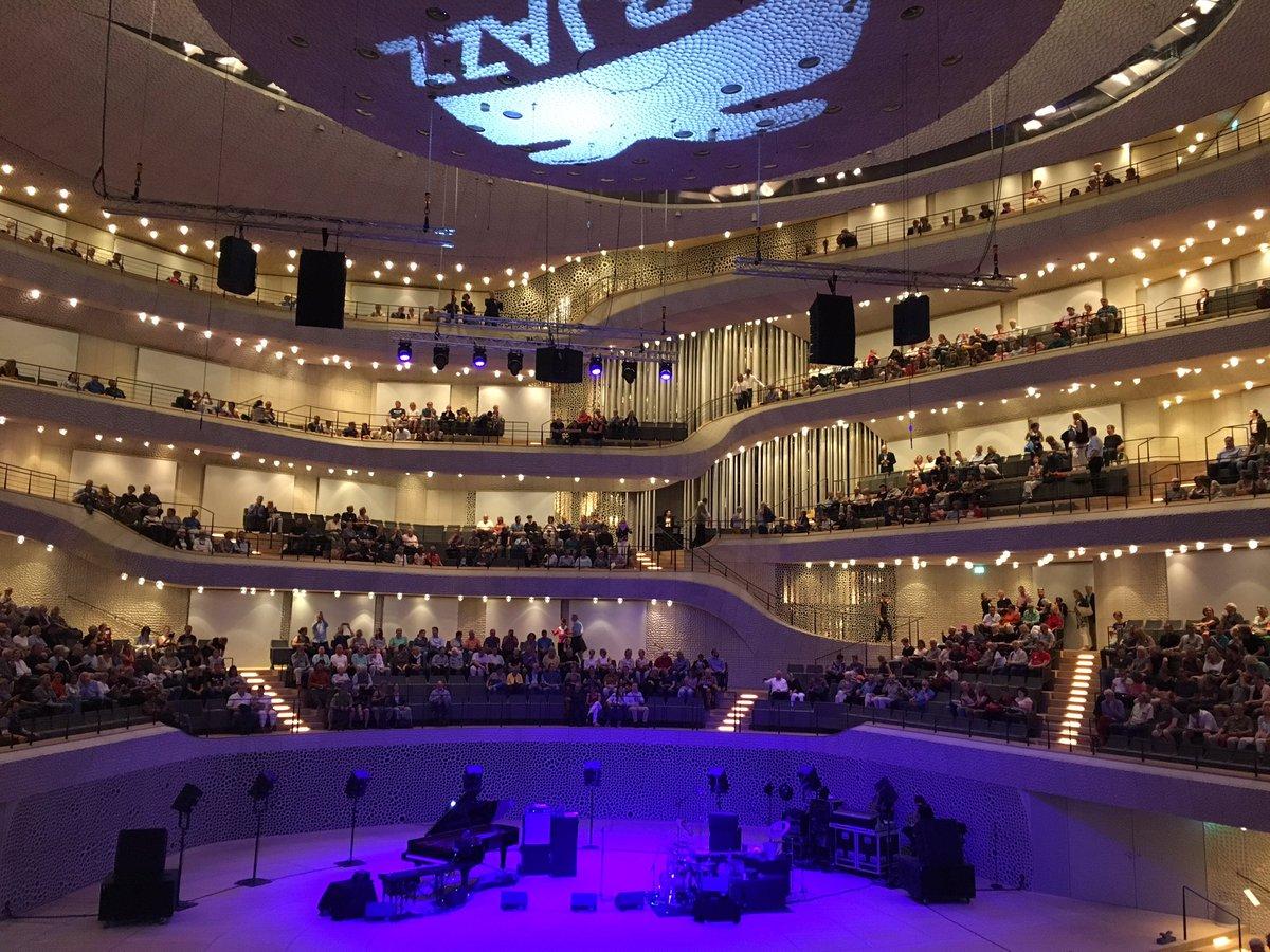 #JanGarbarek @elbphilharmonie then #JoshuaRedman #GregoryPorter #SnarkyPuppy #visithamburg #Elbjazz17 #Hamburg<br>http://pic.twitter.com/tzLBrUibRE