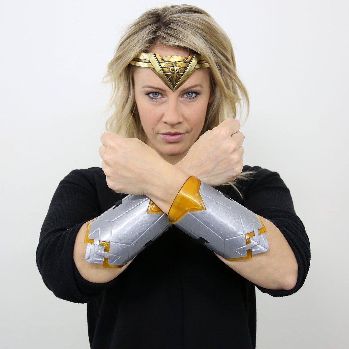 Natasha Staniszewski On Twitter I Have A Feeling She S Going To Be Way Fiercer Than I Am Celebrating Wonderwoman In Theatres Today Wwofbellmedia Sponsoredbywarnerbros Https T Co S39gmhvmgf