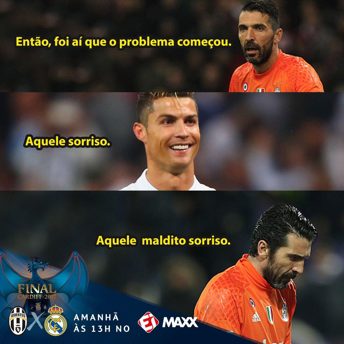 O sorriso de quem marcou cinco gols em quatro jogos contra ! Cristiano  Ronaldo é o f4a423b752273
