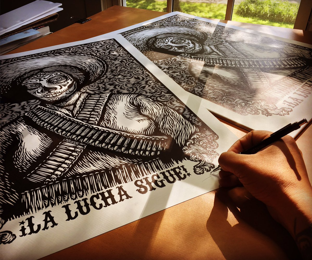 Signing my collaboration with Cannonball Press editions!!! &quot;La Lucha Sigue&quot; #printmaking #art #woodcut #grabado <br>http://pic.twitter.com/RLsWTKw3ec