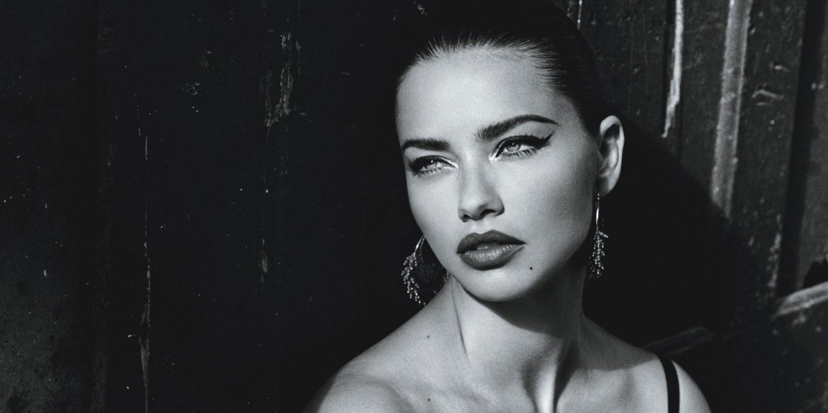Adriana Lima announces she is married to herself: https://t.co/VgDVwDHeOm