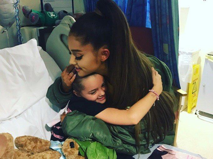 Ariana Grande visits injured children in Manchester hospital https://t.co/uHob811lfH https://t.co/n8UD3CNRRc