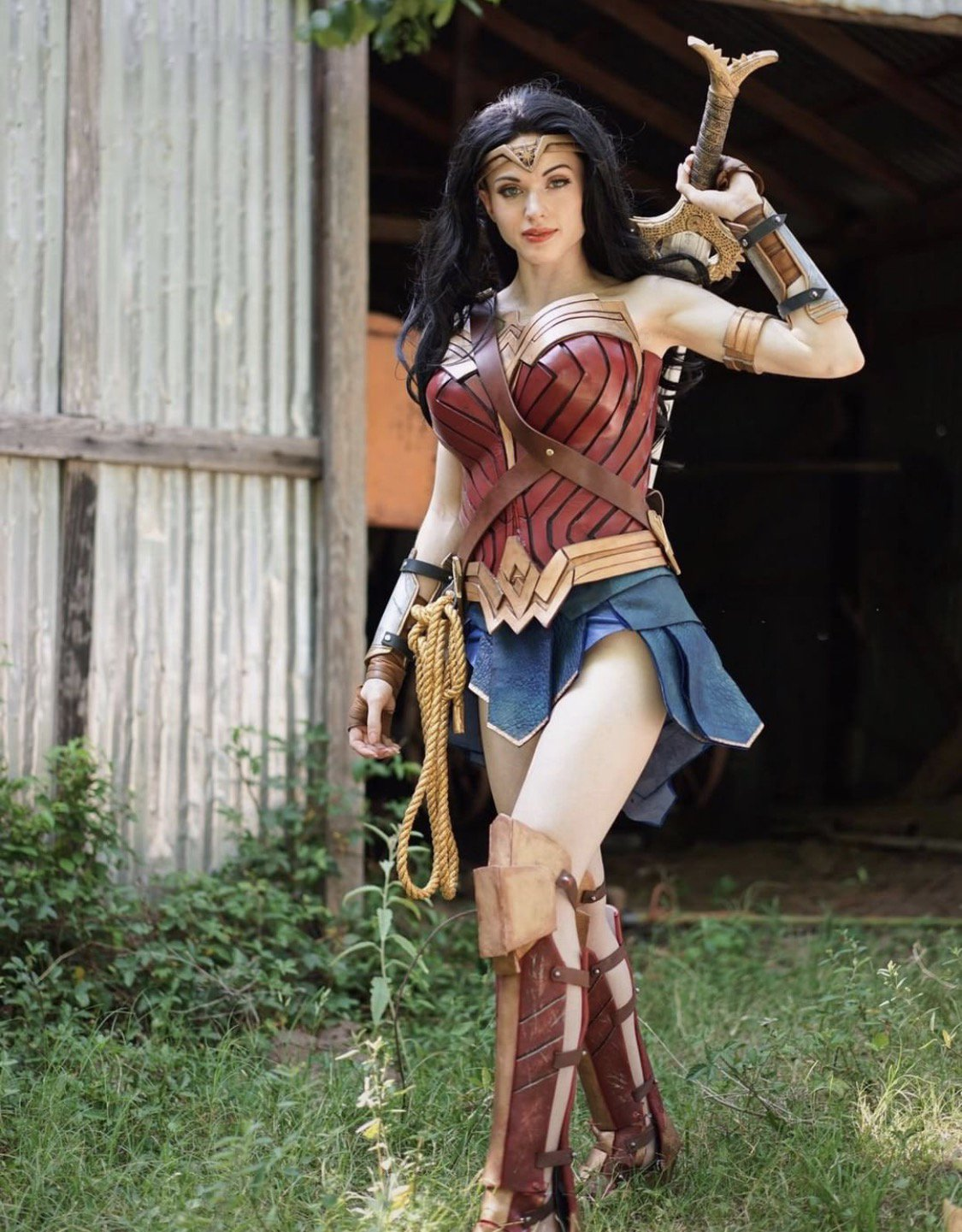 teen wonder woman cosplay