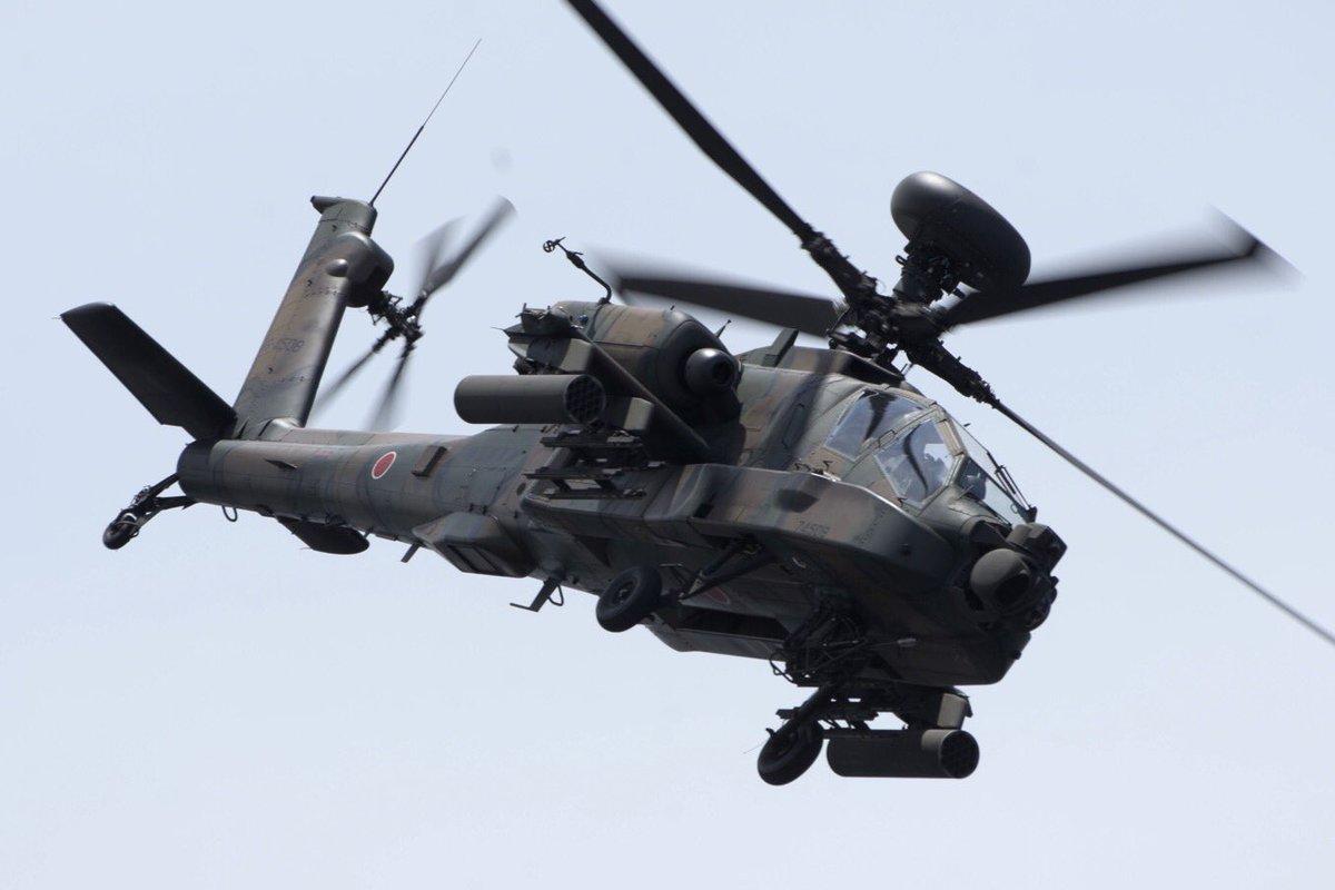 陸上自衛隊のAH-64D、なかなかの突っ込みでした。#レッドブルエアレース https://t.co/fiIMHCbDpK