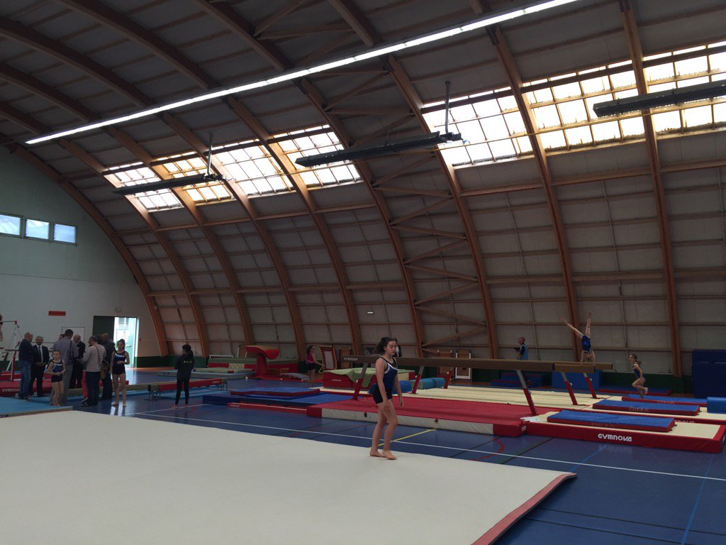 #Niort: inauguration des équipements du gymnase du Pontreau dédié à la gymnastique avec le Président de la FF https://t.co/UONmk3an1C