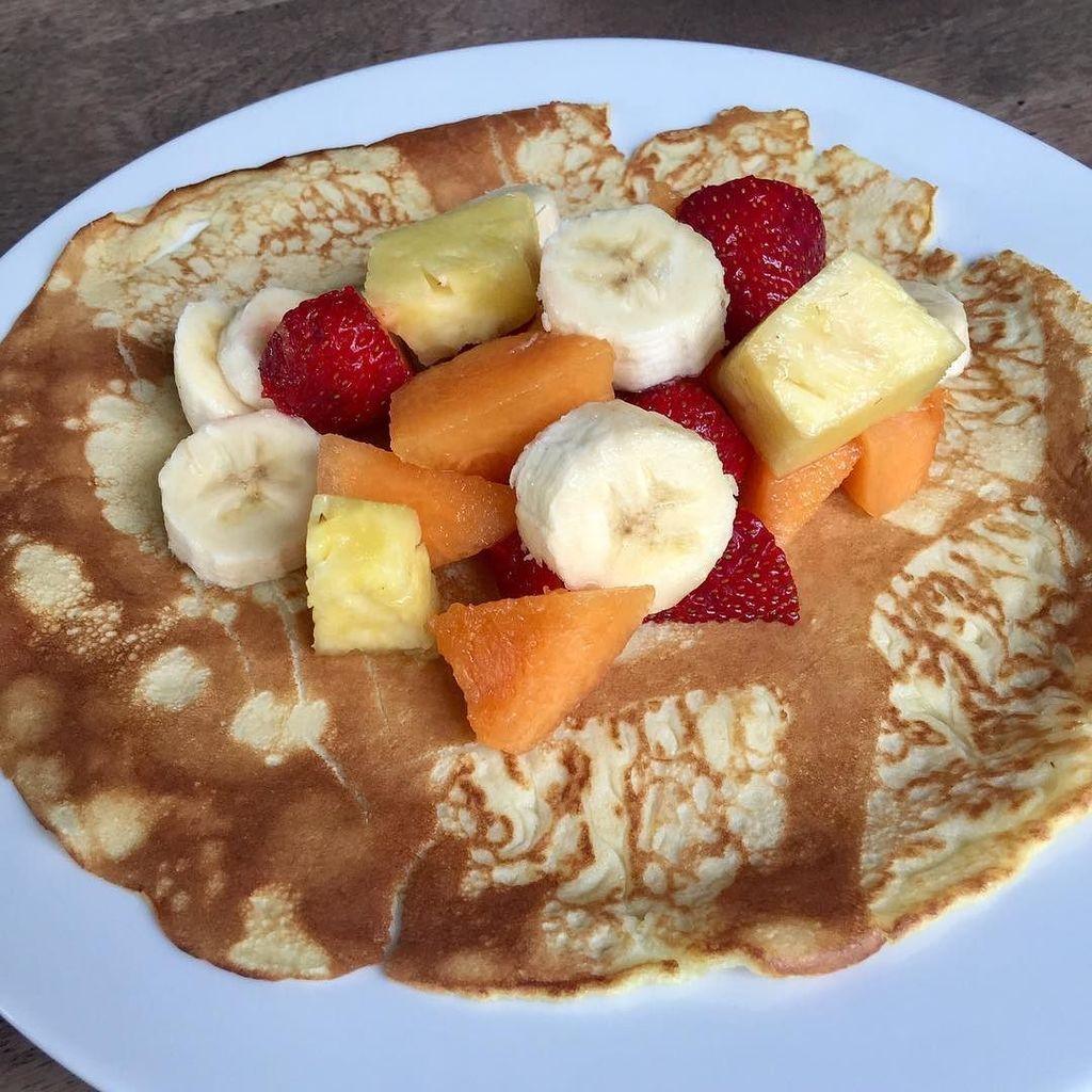 Brunch! #julielapie #fruits #pancakes  http:// ift.tt/2rvKAHb  &nbsp;  <br>http://pic.twitter.com/yt9ZeP83bC