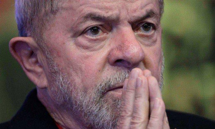 MPF pede prisão do ex-presidente Lula e outros seis réus no caso do tríplex. https://t.co/UzT15Zb5rP