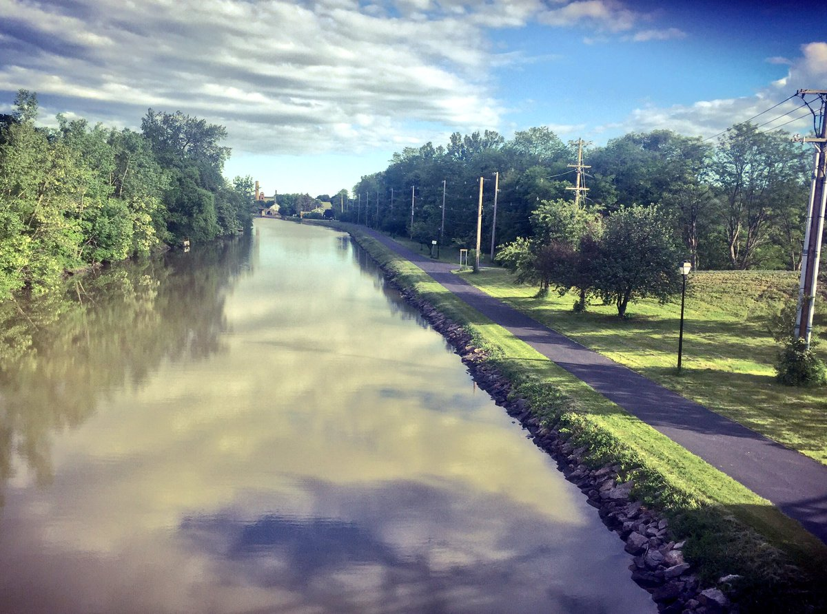 #running-path #erie-canal #fairport #beautiful-morning #fortunate<br>http://pic.twitter.com/PDodn5Ezsp