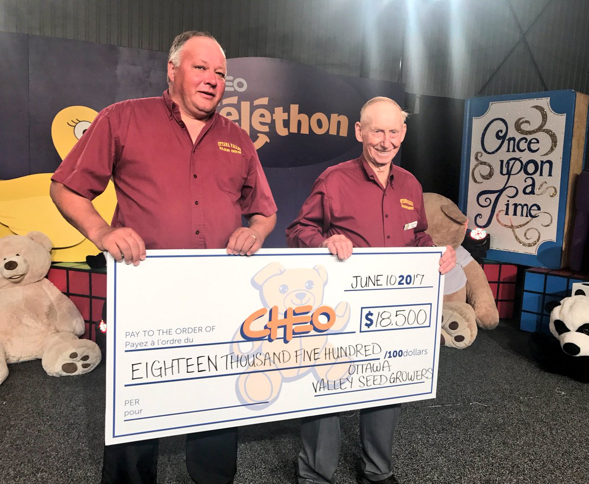 Kudos to #hero4CHEO @OttawaFarmShow presenting $18,500 on the #CHEOtelethon! #watchcalldonate 1-888-738-1450! https://t.co/vgYdoO1l0d