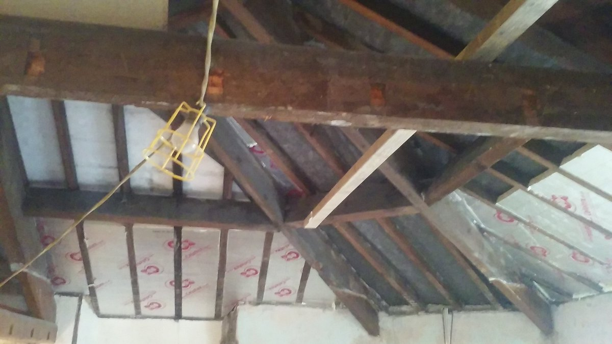Celotex Insulation going into newly exposed vaulted ceiling on our refurb project. @celotex https://t.co/P35DFzJBYd