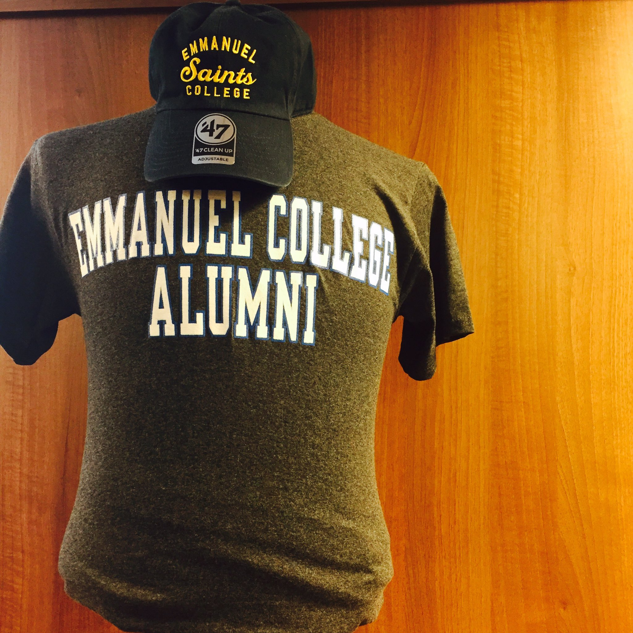 The bookstore is open until 6 today and 10-2 tomorrow with EC gear aplenty! #ECReunion #AlwaysASaint #EmmasForever https://t.co/YAdlYQ8bgP