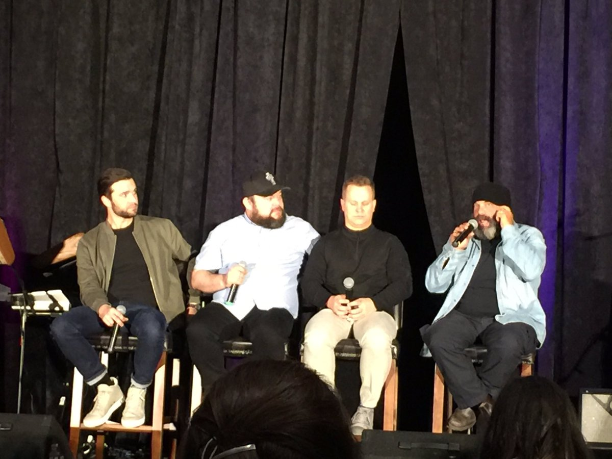 #ouatDEN Amazing panel for a meet 'n greet! Prince Eric, Smee, Happy & Grumpy. https://t.co/Nh25RQSdur