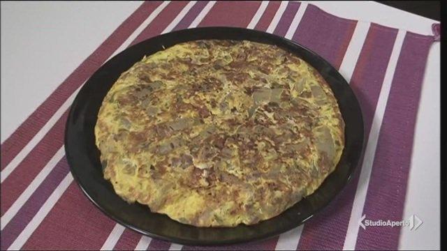 La video ricetta della frittata con coste e salsiccia