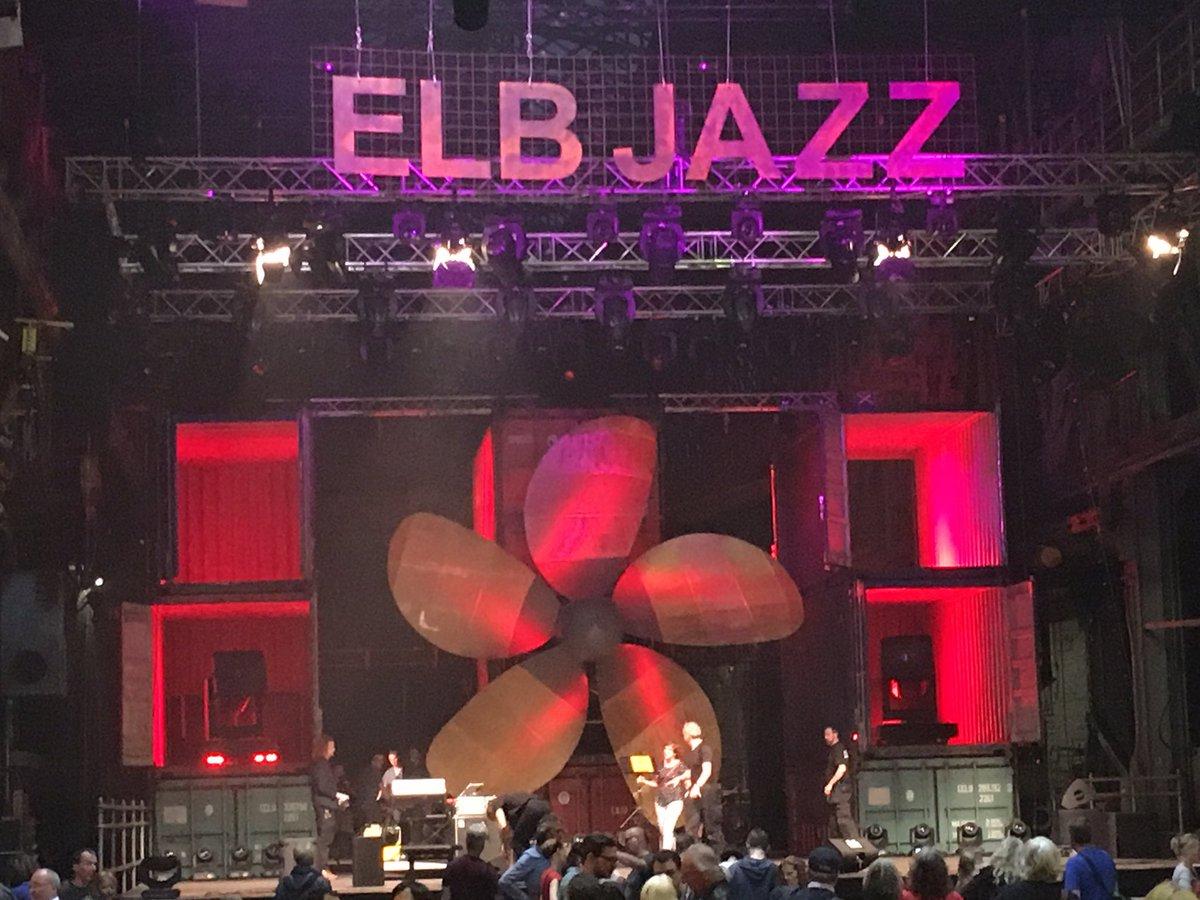 #Jazz in a shipyard! #visithamburg #Elbjazz17 #theaterderwelt #Hamburg<br>http://pic.twitter.com/CF4EVL84PR