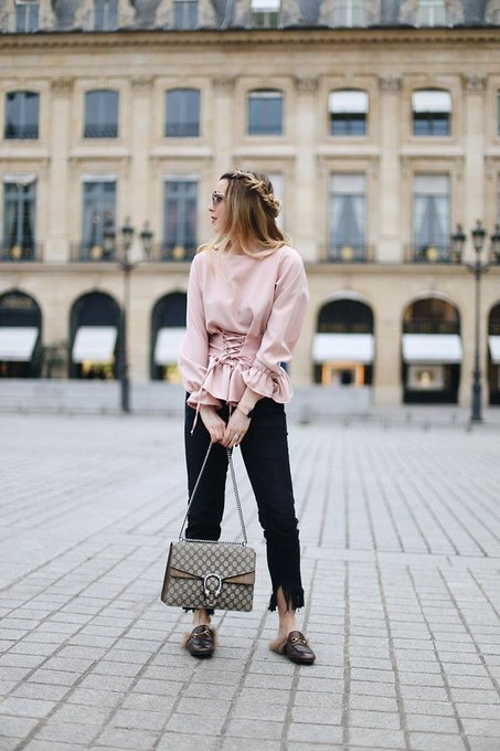 How To Wear Pink Blouse Styles?
