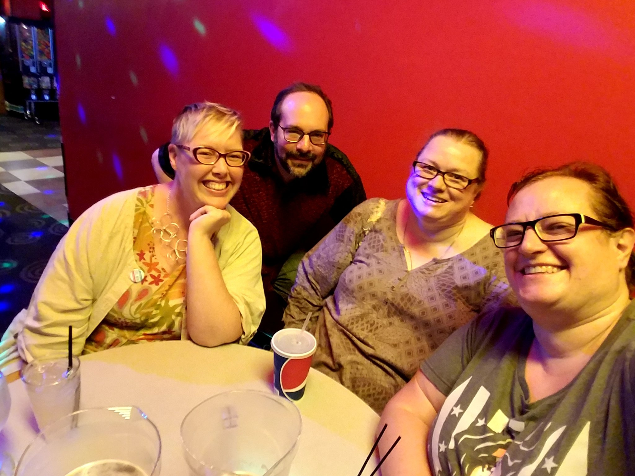 #cwcon is always more fun with great company! @tengrrl @s2ceball @eymand https://t.co/CO6mppgbp7