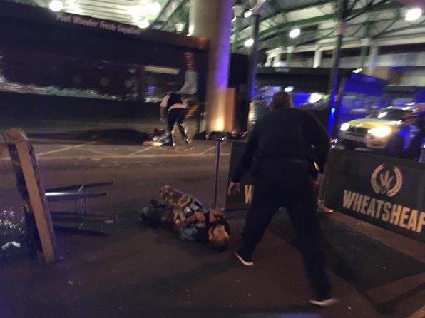 Foto mostra suspeito do atentado em Londres com latas amarradas ao corpo https://t.co/zfuAbZPrZQ