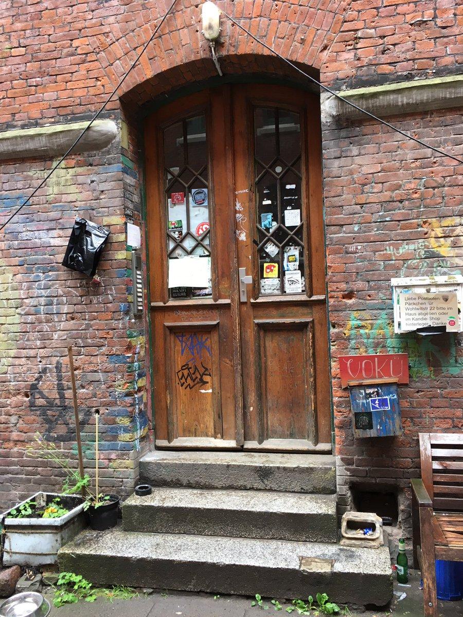 The site of #JohnLennon&#39;s #Rock&#39;nRoll cover #visithamburg #Elbjazz17 #theaterderwelt #Hamburg<br>http://pic.twitter.com/1Tc4HmRZU1