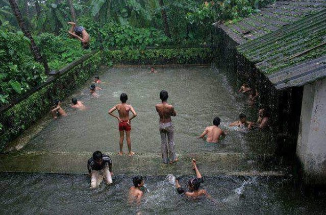 This picture defines Kerala monsoon https://t.co/eELxbwxka6