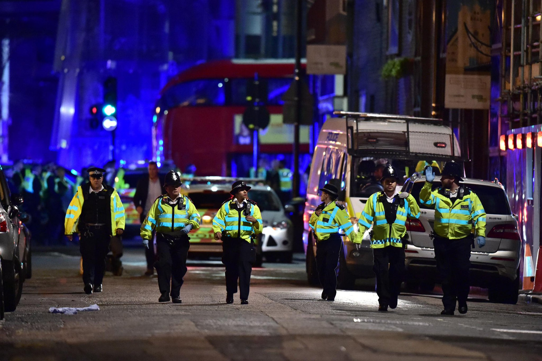 london bridge attack London -- the events around the london terror attack unfolded around 10 pm gmt -- 5:00 pm et -- on saturday night when a van mowed down pedestrians on london bridge three men then got.