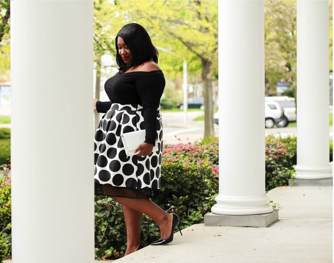 Plus Size Midi Skirt Outfit for Spring