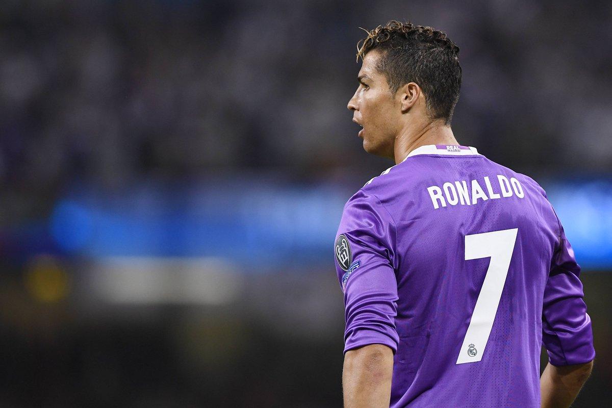 Der Sportbuzzer On Twitter Omg Fans Sind Entsetzt Cristiano