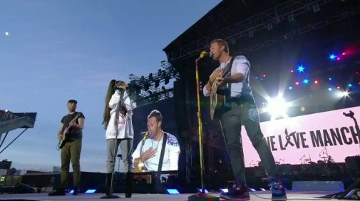 #DontLookBackinAnger cover by @coldplay at #OneLoveManchester https://t.co/ohwp5fRfbZ <LIVE STREAM