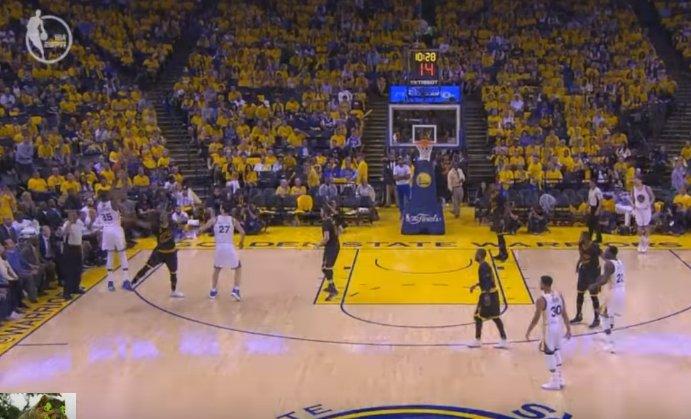 【影片】墊腳?JR骯髒動作引爭議!杜蘭特無視防守打成3+1