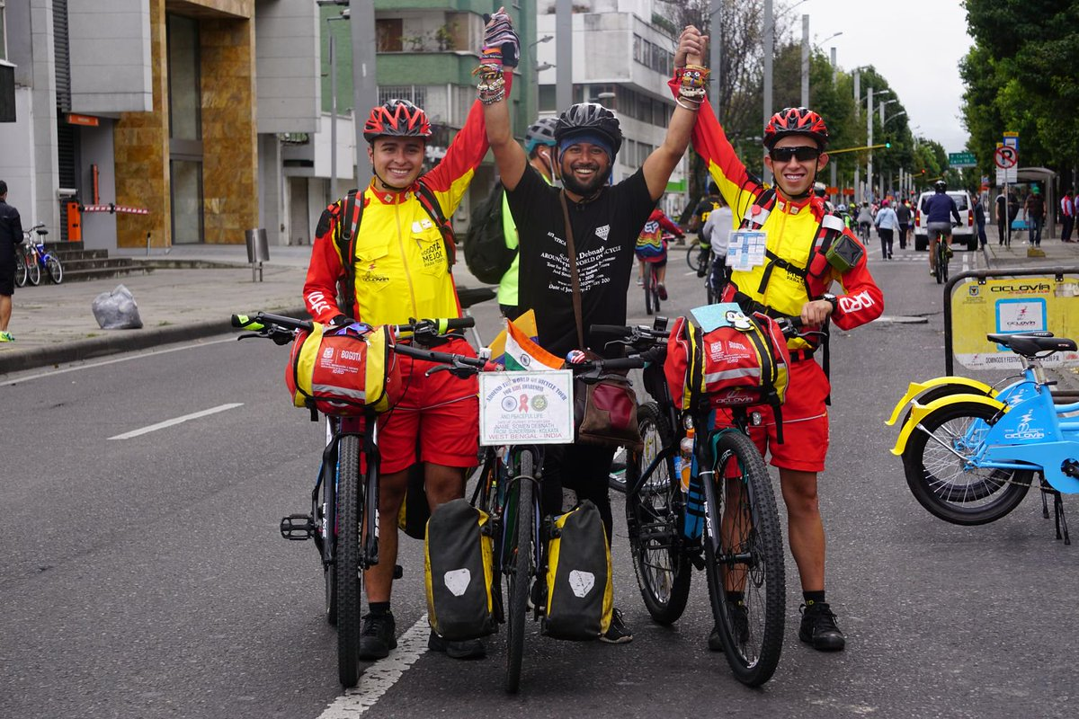 The colombian women s cycling team idrd bogota humana san mateo - Sunday Ontheroad With Idrd Bogota Colombia The Story Behind Those Nude Looking Women S Cycling Uniforms