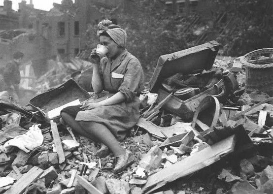 even in World Wars the Brits can't be beaten down... now put the kettle on... (love this pic) https://t.co/3gG9jFaR0y
