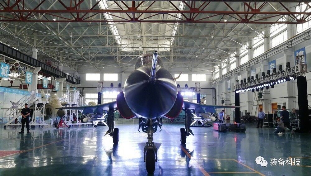 السودان يشترى 6 مقاتلات FTC 2000 DBiL58uUQAAgH__