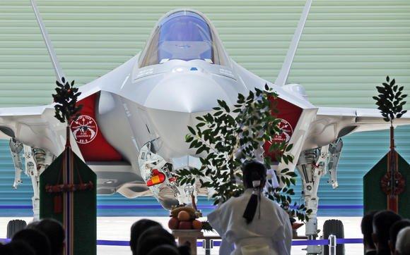 電探で捉えられない最新の第五世代戦闘機だろうと日本で運用するならばご祈祷は欠かせません。 https://t.co/gnMCiLhhuS https://t.co/PEEXb34sEi
