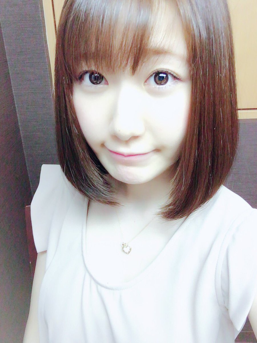 髪ばっさり切った!!! pic.twitter.com/H3FFVvnZrR