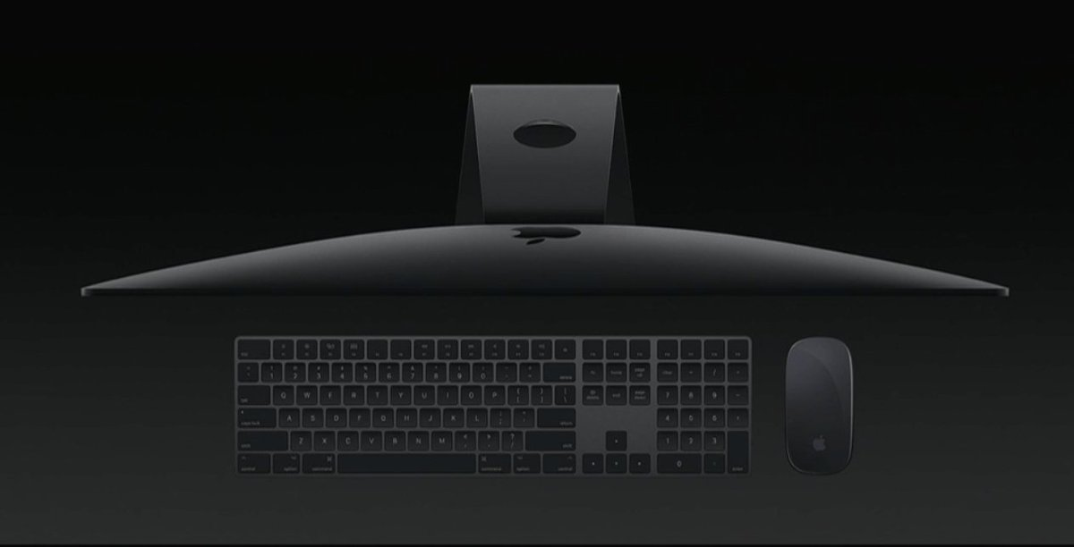 That new keyboard looks sick! #WWDC17 https://t.co/aZnF5e6oop