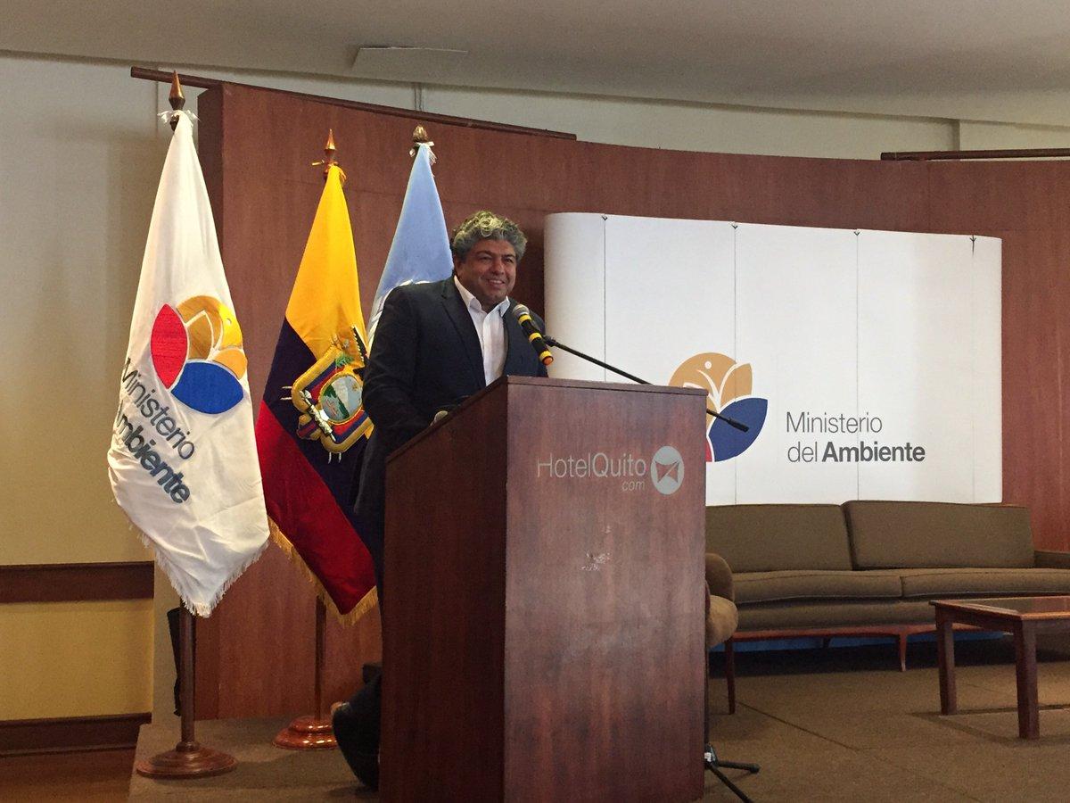 @TEEB4ME Salman Hussain presenting #TEEBEcuador at #BioEconomía org by @Ambiente_Ec & @PNUDEcuador #DíaAmbienteEc https://t.co/JNxlwvhKt0