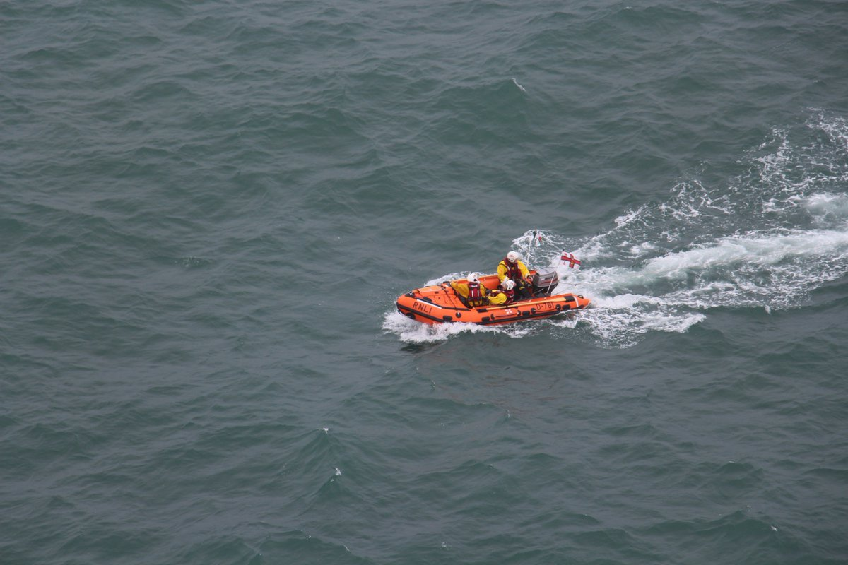 Rescue 117 On Twitter Tasked To A Boat Adrift Near The Metal Man In Tramore That Was Drifting Onto Rocks RNLI Towed Vessel Shore