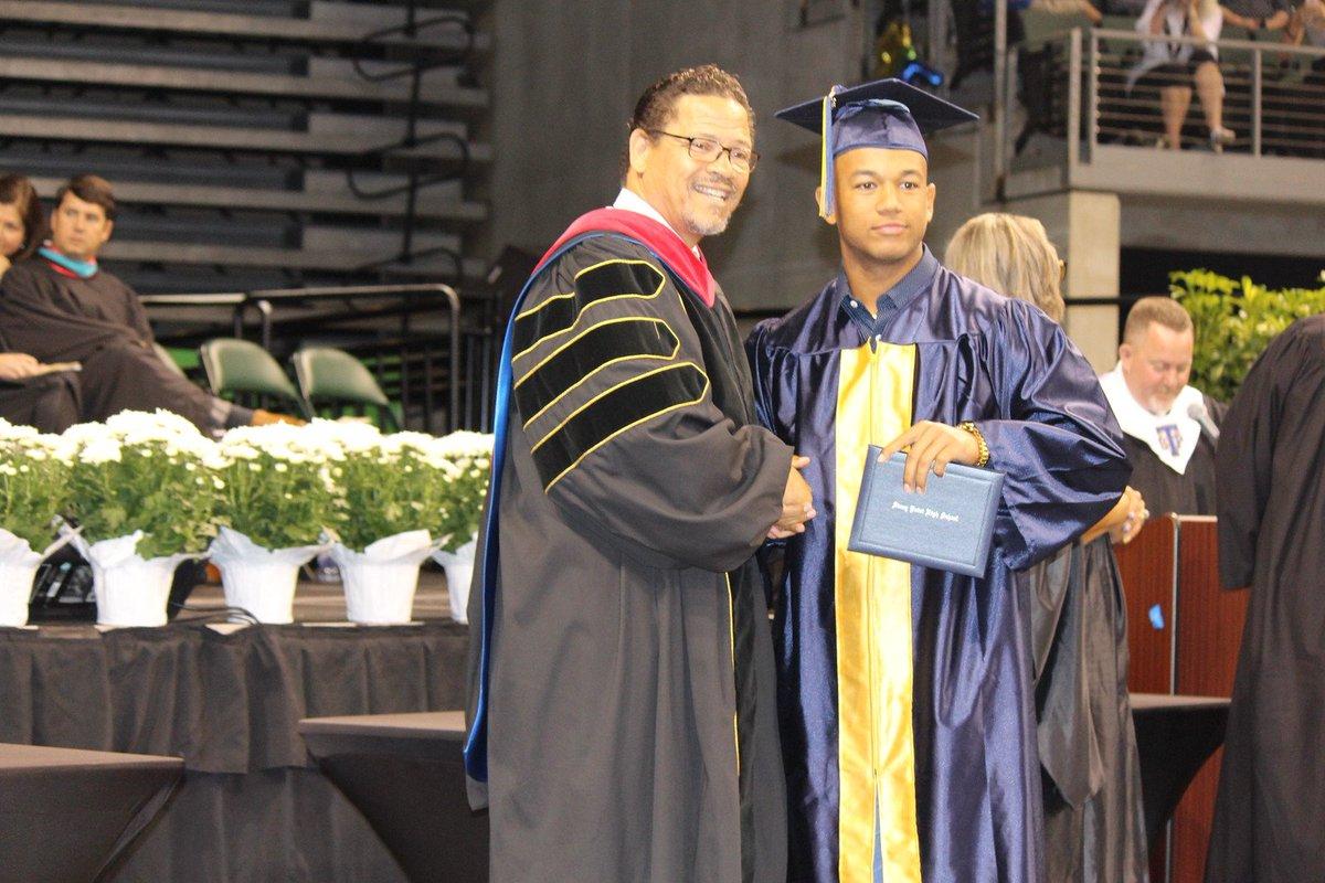 Round Rock Isd On Twitter Stony Point High School Graduation