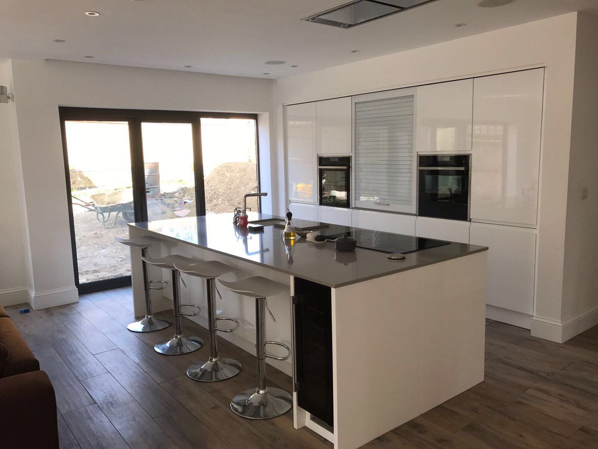 kitchen ergonomics kitchen erg twitter its monday which can only mean one thing kitchenenvy kitchenisland kitchencasestudy ke our kitchen of the week http goo gl xa2nw5 pic twitter com