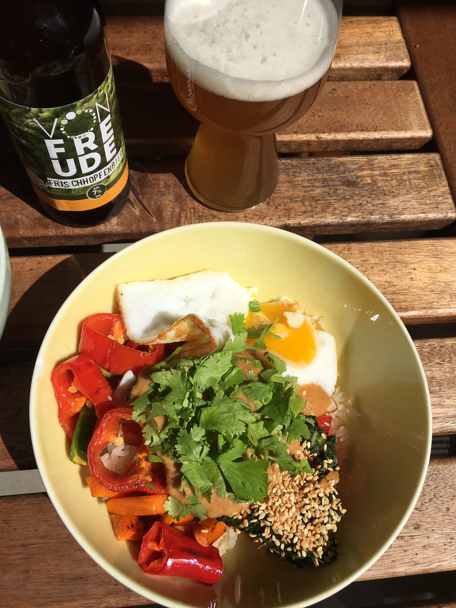 Bloody perfect day! Craft #bibimbap, #Frischhopfenbier and #sun! https://t.co/NrVYO5BF7d